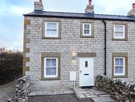 3 PRIMITIVE CROFT, end-terrace, pet-friendly, woodburner, enclosed garden, in