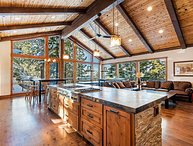Secluded Lakeview Estate - new furnishings/hot tub