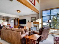 Spacious 4 BR/3 BA duplex, private hot tub, lg group/families, skiing, pet friendly, sleeps 11