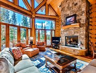 Expansive decks, outdoor fireplace & hot tub - all the mountain essentials!