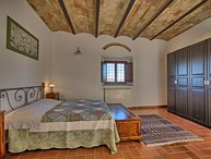 Tuscany Apartment with Views Over the Chianti Classico Hills - Desideri 1