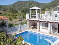 Villa with pool/jacuzzi/views, 5 mins to San Antonio