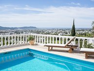 Beautiful villa with views of Ibiza town, 5 minutes to Playa Den Bossa