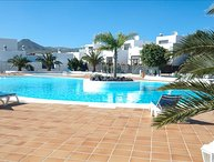 Beautiful 2 storey apartment with Communal Pool in Puerto Calero  LVC261005