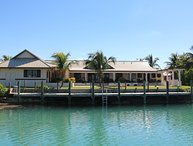 Waterfront 5 bedroom villa on Grand Bahamas