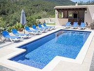Villa with stunning views, 5 mins to San Jose, 20 mins to Playa den Bossa