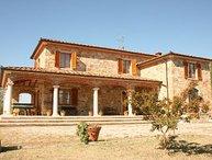 3 bedroom Villa in Cortona, Tuscany, Italy : ref 2020490