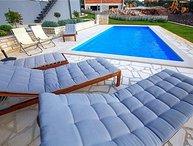 4 bedroom Villa in Tinjan, Istria, Croatia : ref 2261766