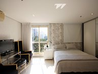 Minimalist Studio Apartment in Jardins