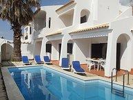 4 bedroom Villa in Albufeira, Algarve, Portugal : ref 2243372