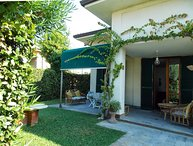 4 bedroom Villa in Marina di Pietrasanta, Versilia, Tuscany, Italy : ref 2135545