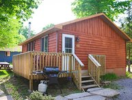 BLACK BIRD- 2 BEDROOM CHARM ON PIGEON LAKE