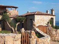4 bedroom Apartment in Baja Sardinia, Costa Smeralda, Sardinia, Italy : ref
