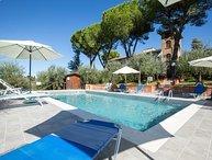 9 bedroom Villa in San Gimignano, Chianti, Tuscany, Italy : ref 2387318
