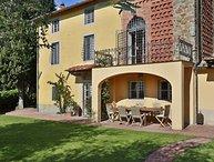 7 bedroom Apartment in Capannori, Tuscany Nw, Tuscany, Italy : ref 2387427