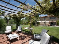 Il Portico, 5 bedrooms villa in the Chianti region with private swimming pool!
