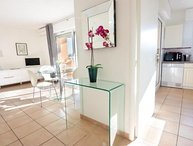 Hesperides Affordable 1 Bedroom Cannes Apartment, Near the Sea