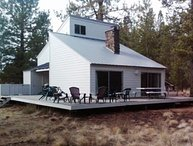Great Pet-Friendly Sunriver Home w/Hot Tub, SHARC passes, WiFi, WoodFireplace