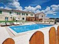 4 bedroom Villa in Tinjan-Jakovici, Tinjan, Croatia : ref 2219035