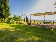 Private villa with pool near Cortona, Villa I Girasoli. Sleeps up to 16 persons!