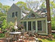 New & upscale w/ guest house, walk to Skaket:046-O