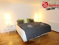 Cozy Family Apartment 15 Minutes Commute to City Center - 7228