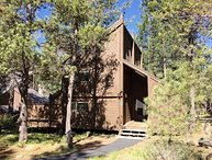 Cozy Sunriver Home Near Golf Course and SHARC Facilities