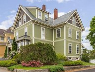 Hovey House: Walk to Gloucester's historic harbor and beaches.