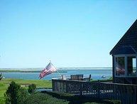 Private Orleans resort w/water views, heated pool/spa; sleeps 16 (linens) 009-O