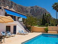Villa Colores Jávea, private pool, air-con, UK TV, wifi, stunning valley views
