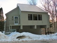 Newly Renovated Detached Townhome across from Loon Ski Area