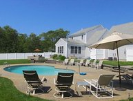 Salt Water Pool, Walking Distance to Long Pond, Central AC: 083-H