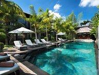 Extravagant Luxury 6 Bedroom Villa, Central Seminyak