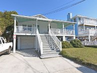 Gresham - Classic top floor beach cottage. Sleeps 6.