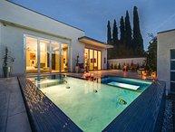1088 -  West Hollywood Contemporary Villa