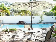 Bayview Paradise: Beaches. Sleeps 10. Pool.