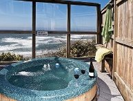 The Submarine-Oceanfront  Hot Tub Open 4/9-13