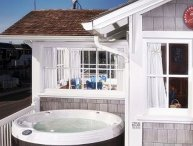 Nantucket Hot Tub &Close to Casino! Open 5/3-7