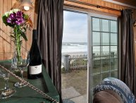 A ROADS END BEACH HOUSE OCEANFRONT W/ BEACH STEPS LOVELY OCEAN VIEW!