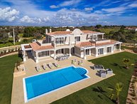 Villa Pinta - Magnificent newly built 5 bedroom property with stunning golf and