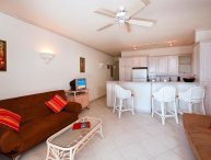 Leith Court 15 - Casual Beachfront Apartment