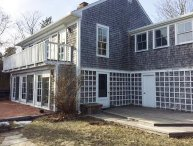 WALK TO NAUSET BEACH FROM THIS CLASSIC CAPE WITH CENTRAL A/C! PET FRIENDLY!