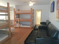 Perfect Large Group Central S.Beach Accommodations - Walk to Everything!