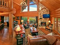 MOUNTAINTOP PARADISE-4/3One-of-a-Kind Luxury Cabin