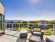Luxury Modern 2 Bed. Townhome w/ A/C, Views, Patios, Remodeled, Near Beaches