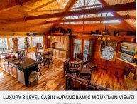 LUXURIOUS CABIN WITH GLASS PORCH AND PANORAMIC MAJESTIC MOUNTAIN VIEWS!