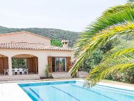 4 bedroom Villa with Pool and WiFi - 5699048