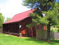 HOCKING HILLS OHIO, GONE FISHIN CABIN SLEEPS 8/HOT TUB, POOL, POND, POOL TABLE