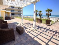 JUNE/JULY $PECIALS - LUXURY OCEANFRONT VILLA -  4BR/3.5BA - MED VILLA