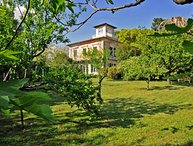 VILLA CARLOTTA with Large Park, Free WiFi, BBQ, near to Beaches and 5 Terre